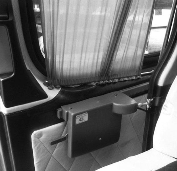 Установка электропривода для сдвижной двери микроавтобуса